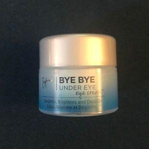 🌺5x$25- it Cosmetics Bye Bye Under Eye Eye Cream